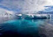 Antarctic-Charlotte-Bay-Iceberg-©2019-Lauri-Novak