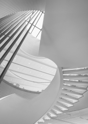 Milwaukee-Symphony-Orchestra-building-looking-up-view-spiral-stairs-©Lauri-Novak