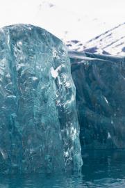Arctic-Crystal-Iceberg-Details-©Lauri-Novak